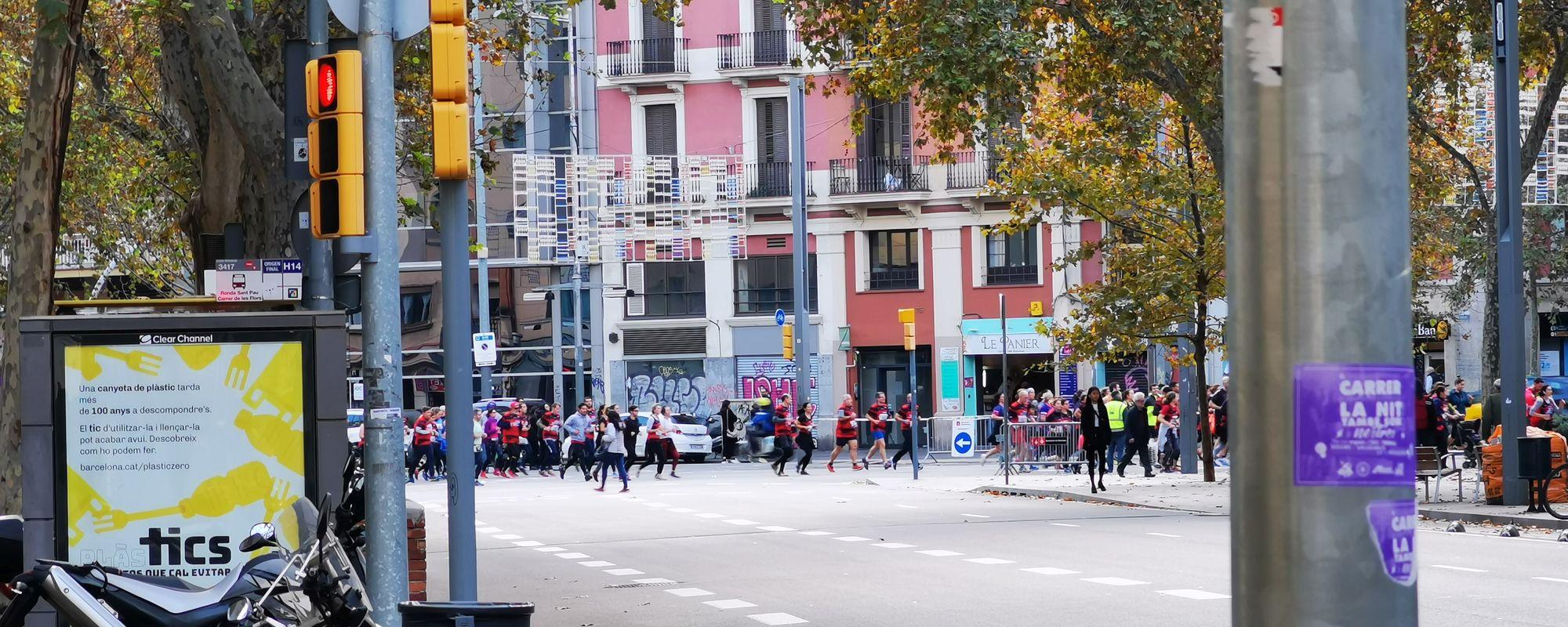 Perverși care aleargă prin Barcelona. Din viciu!