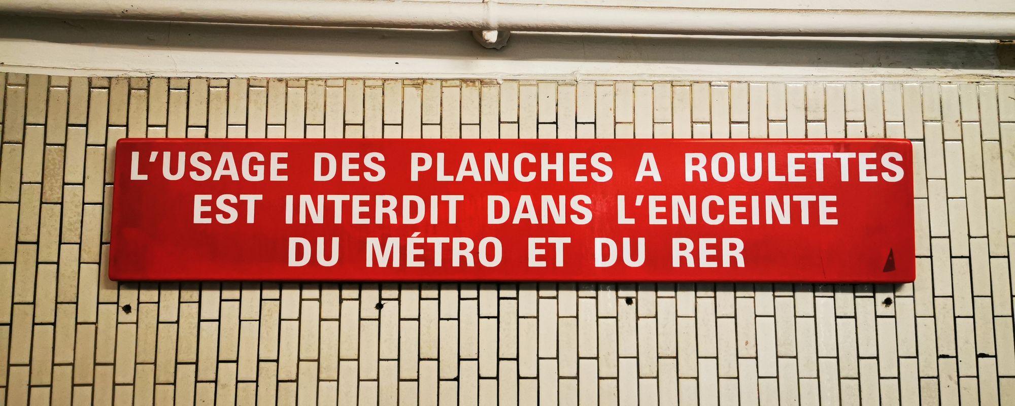 Ăsta ghid turistic, astea poze inedite din Paris!